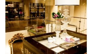Collezioni, primul showroom cu produse Roberto Cavalli Home Luxury Tableware si Roberto Cavalli Home Linen in Romania